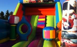 Consejos para contratar un castillo hinchable para cumpleaños con niños