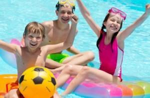 fiesta-infantil-en-la-piscina